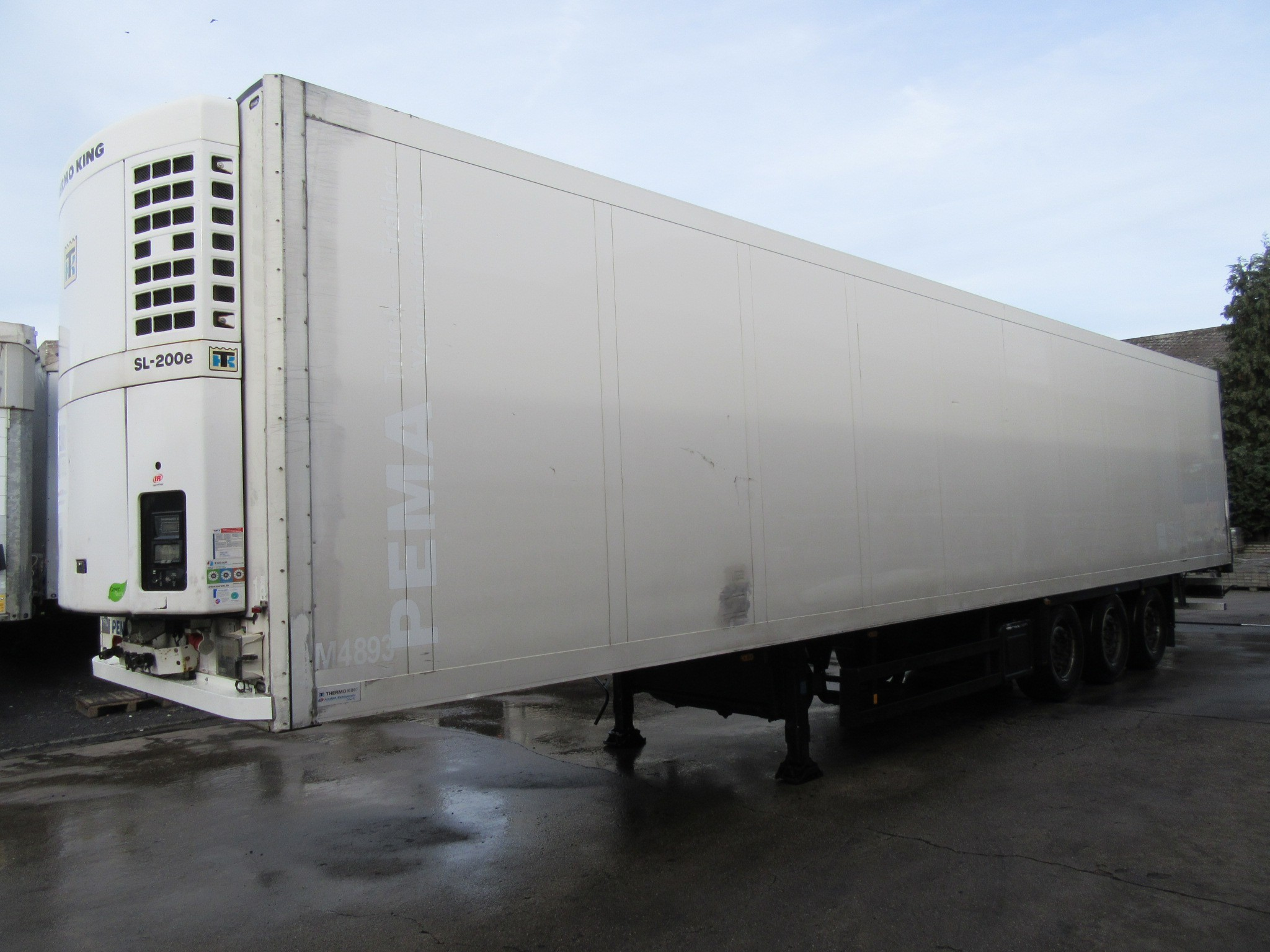 Schmitz Cargobull SKO Cool Scheibe Thermo-King (2.800h)70% Reifen